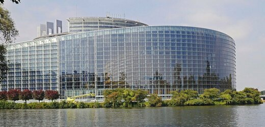 Budova Evropského parlamentu v Bruselu.