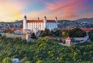 Slovensko při očkování upřednostnilo některé profese před seniory