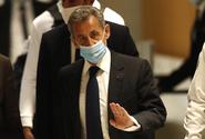 Soud uložil exprezidentovi Sarkozymu roční nepodmíněný trest