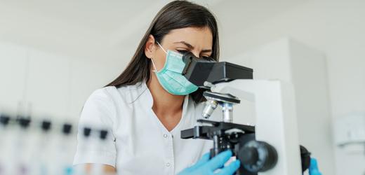 Odborníci hledají dobrovolníky do studie protilátek na covid-19
