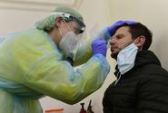 V pátek přibylo v Česku 13 074 nakažených, méně než před týdnem