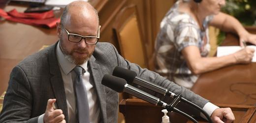 Ministr školství Robert Plaga ( za ANO).