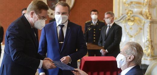 Prezident Miloš Zeman jmenuje nového ministra zdravotnictví Petra Arenbergera.