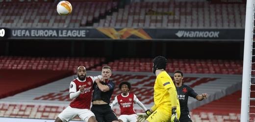 Zápas mezi londýnským Arsenalem a pražskou Slavií.