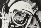 Sovětský kosmonaut Jurij Gagarin na historickém snímku.