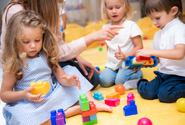 V některých okresech je možný od 26. 4. návrat i dalších dětí do školek, uvedl Smejlkal