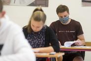 Středoškoláci vyzvali VŠ k úpravě termínů přijímacích zkoušek