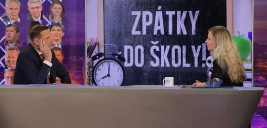 Moderátor pořadu Jaromír Soukup a poslankyně Kateřina Valachová (ČSSD).