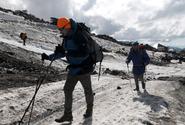 Koronavirus dosáhl i na nejvyšší horu světa, nakazil se horolezec