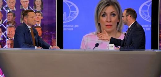 Moderátor pořadu Jaromír Soukup a předseda hnutí STAN Jan Farský.