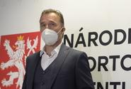 Opoziční politici uvítali Hniličkovu rezignaci na post šéfa sportovní agentury