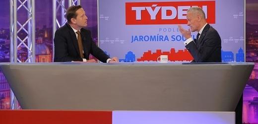 Moderátor pořadu Jaromír Soukup a politik Cyril Svoboda (KDU-ČSL).