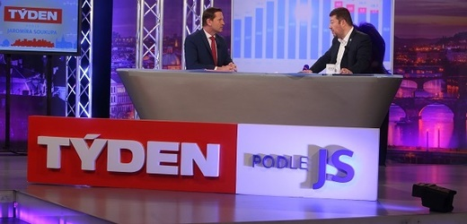 Moderátor pořadu Jaromír Soukup a předseda SPD Tomio Okamura.