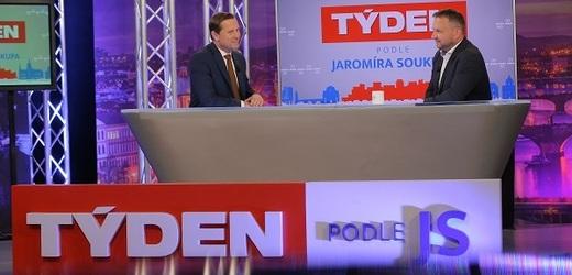 Moderátor pořadu Jaromír Soukup a předseda KDU-ČSL Marian Jurečka.