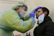 Úterních 131 nakažených v Česku bylo o třetinu méně než před týdnem