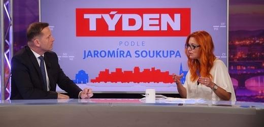 Moderátor pořadu Jaromír Soukup a předsedkyně hnutí Trikolóra Zuzana Majerová Zahradníková