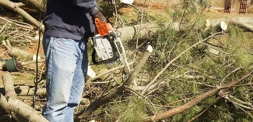 Bouřky v Česku zastavily nebo omezily železnici na víc než 30 místech