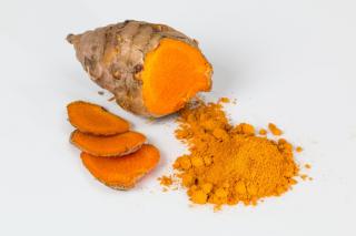 Kurkuma slouží nejen jako koření, ale může výrazně prospívat i našemu zdraví.