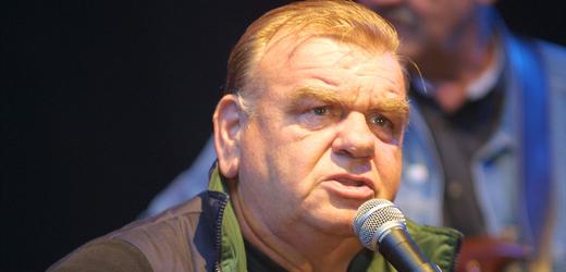 Písničkář František Nedvěd (na snímku z roku 2004).