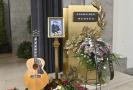 V krematoriu v Praze Strašnicích se lidé naposledy rozloučili 24. července 2021 s hudebníkem Františkem Nedvědem, který zemřel 18. července ve věku 73 let.