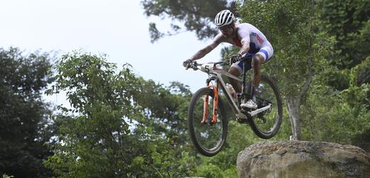 Letní olympijské hry Tokio 2020, 26. července 2021 v Izu. Cyklistika - horská kola: cross country muži. Český závodník Ondřej Cink.