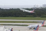 American Airlines mají nedostatek paliva, zvažují i lety s mezipřistáním