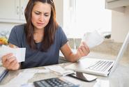 Dluhy českých domácností u bank v červnu stouply na 1,942 bilionu korun