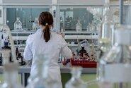 Odborníci nedoporučují uznávat protilátky na covid jako prokázání bezinfekčnosti