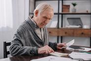 Důchodový systém skončil v pololetí v deficitu asi devět miliard korun méně než loni