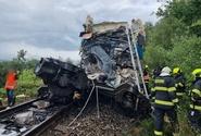 Po srážce vlaků u Domažlic dva mrtví, několik těžce zraněných, desítky lehce