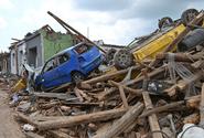Obyvatelům obcí zasažených tornádem rozdělí organizace celkem 200 milionů korun