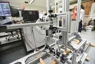 Inteligentní robotický systém předpoví sklizeň rajčat i odhalí škůdce