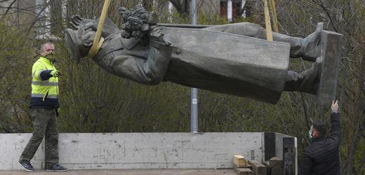 Ivan Stěpanovič Koněv, maršál, socha, pomník, odstranění, Praha.