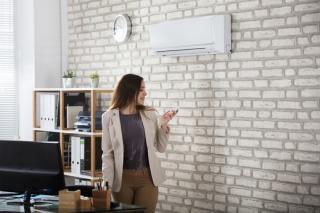Klimatizace pomáhá v parném létě, může ale i škodit.