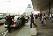 Letiště Praha zrušilo tendr na taxislužbu. Chce po úpravě vypsat nový