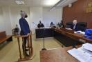 Okresní soud v Bruntálu začal 5. října 2021 projednávat obžalobu časopisu Legalizace a jeho šéfredaktora Roberta Veverky (vlevo) ze šíření toxikomanie. Časopis o konopí podle žalobců na svých stránkách propaguje drogy.