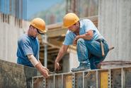 Mezi nejméně prestižní profese patří uklízečka, ostraha a stavební dělník