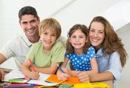 Žáky s podporou rodičů a bez ní dělí v učivu rozdíl dvou měsíců, vyplývá z průzkumu
