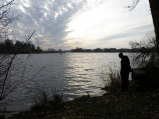 Meditace nad jezerem