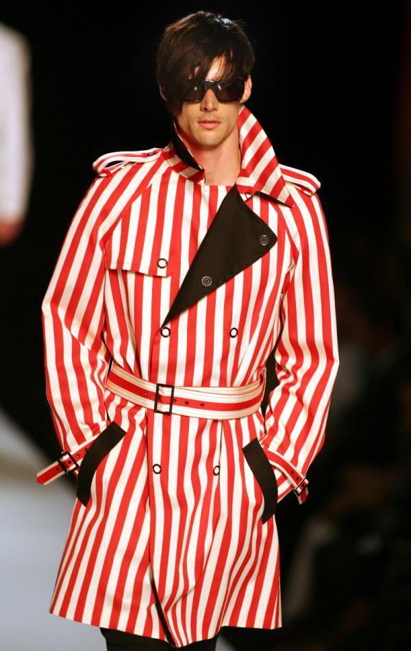 Pánská móda pro rok 2010  Oblečení hýřící barvami  19f36cfbcb