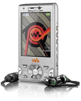 MP3 přehrávače se zabydlují i v mobilech, značka Walkman stále žije.