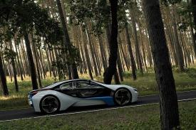 K ujetí sto kilometrů by mělo stačit 3,8 litru nafty.