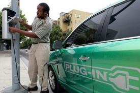 Pro šíření elektromobilů jsou nejdůležitější nabíjecí stanice.