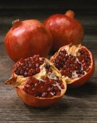 Sezonní jídelníček mohou oživit i granátová jablka.