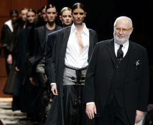 Ferre na přehlídkové molu Slavný italský módní návrhář a architekt ... 1c00f24e8e