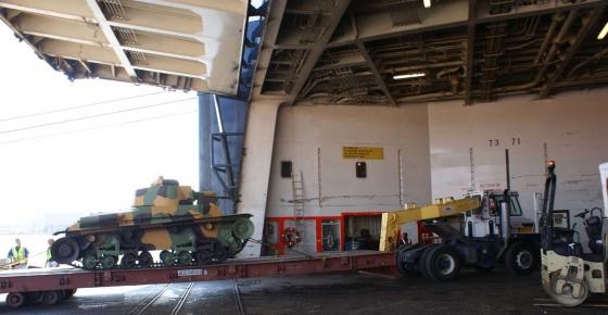 Československý LT 35 se vrací domů z USA na palubě nákladní lodi.