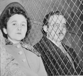 Manželé Rosenbergovi. Černé svědomí Ameriky?