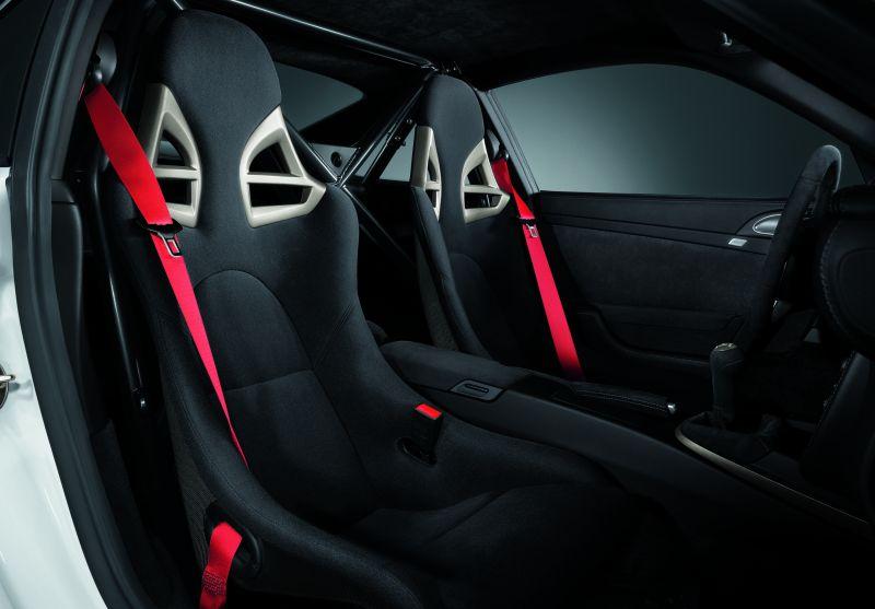 Závodní sedačky v sériovém autě  Žádný problém 1ef3ee7af0